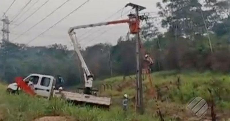Funcionário recebe descarga elétrica ao fazer manutenção em poste no PA